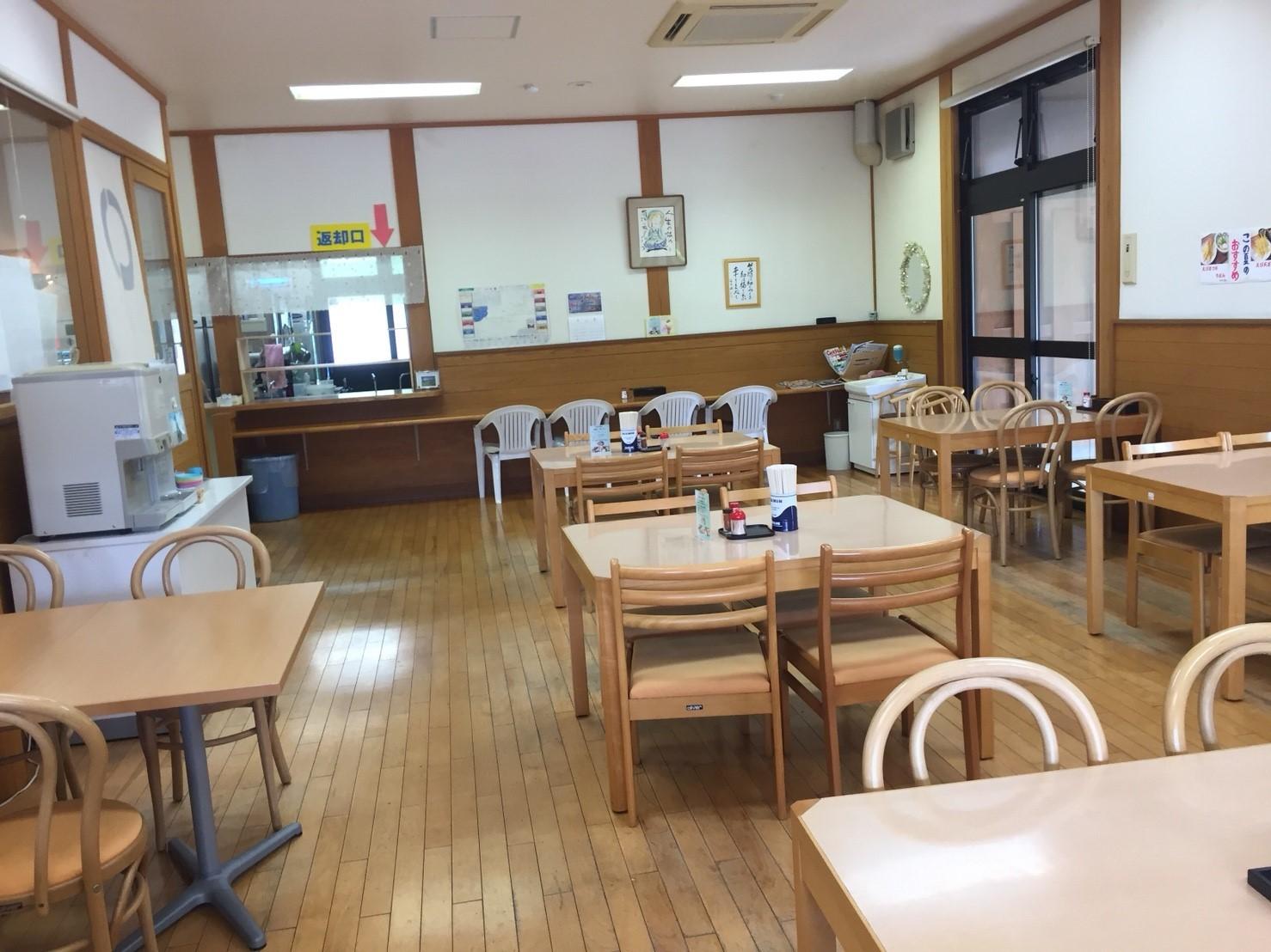 関金の道の駅 犬挟  内に併設されてる犬挟食堂_e0115904_14584014.jpg