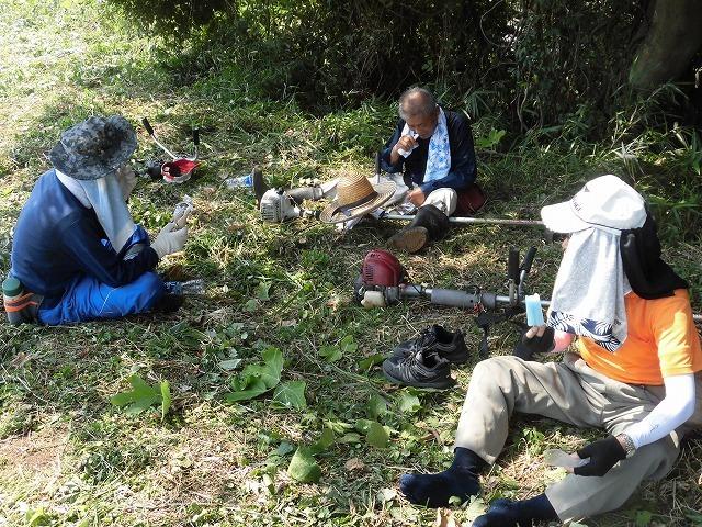 続く猛暑の中 「そうだ!沼川プロジェクト」で本年度2回目の滝川の草刈り清掃_f0141310_06500842.jpg