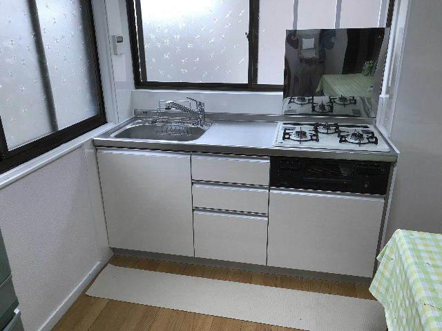 15.5日目キッチン設置・ほぼ終了_f0031037_19272393.jpg
