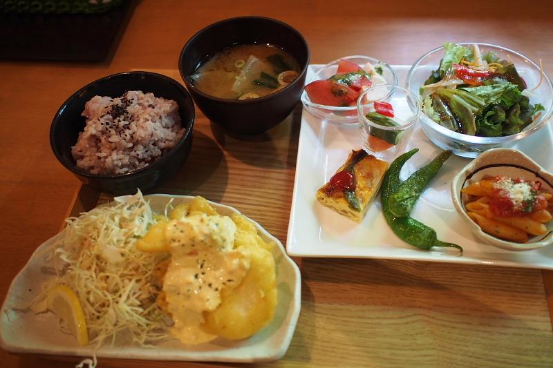 【いいもの発見】大和CAFE の「週替わり惣菜プレートランチ」_b0008655_18104584.jpg