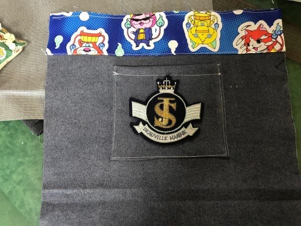 孫のサブバッグの残布で、アニメカバを作ります。_e0397389_15421899.jpg