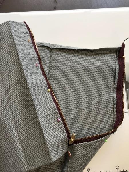 孫のサブバッグの残布で、アニメカバを作ります。_e0397389_15424398.jpg