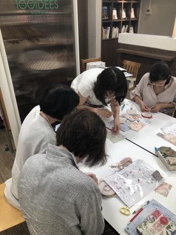 『しあわせのリボン刺しゅう』 出版記念ワークショップ《花リースのコンパクトミラー》@西武渋谷サンイデー にご参加くださった皆さま どうもありがとうございました_a0157409_12524005.jpeg