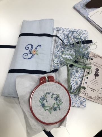 『しあわせのリボン刺しゅう』 出版記念ワークショップ《花リースのコンパクトミラー》@西武渋谷サンイデー にご参加くださった皆さま どうもありがとうございました_a0157409_12535150.jpeg