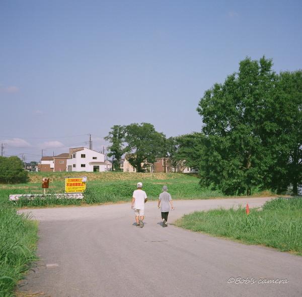 walking_b0246079_05192900.jpg