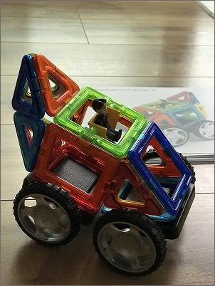 【 おもちゃの収納と新しいおもちゃ(マグフォーマー)】_c0199166_10121856.jpg