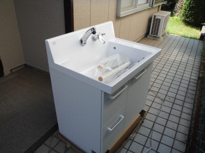 小工事 ~ 化粧洗面台取替え。_d0165368_04390172.jpg