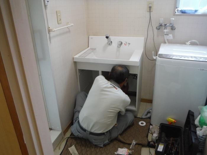 小工事 ~ 化粧洗面台取替え。_d0165368_04391183.jpg