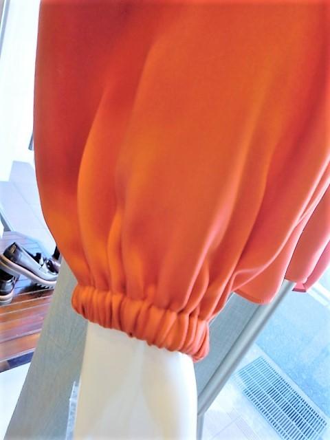 オレンジのブラウス・・・・・☆_c0113499_13001916.jpg