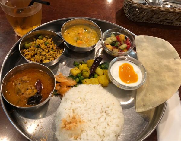 「横浜ウォーカー2018年夏号」に南インド料理ガネーシュを掲載してくださいました。_e0145685_23274207.jpg