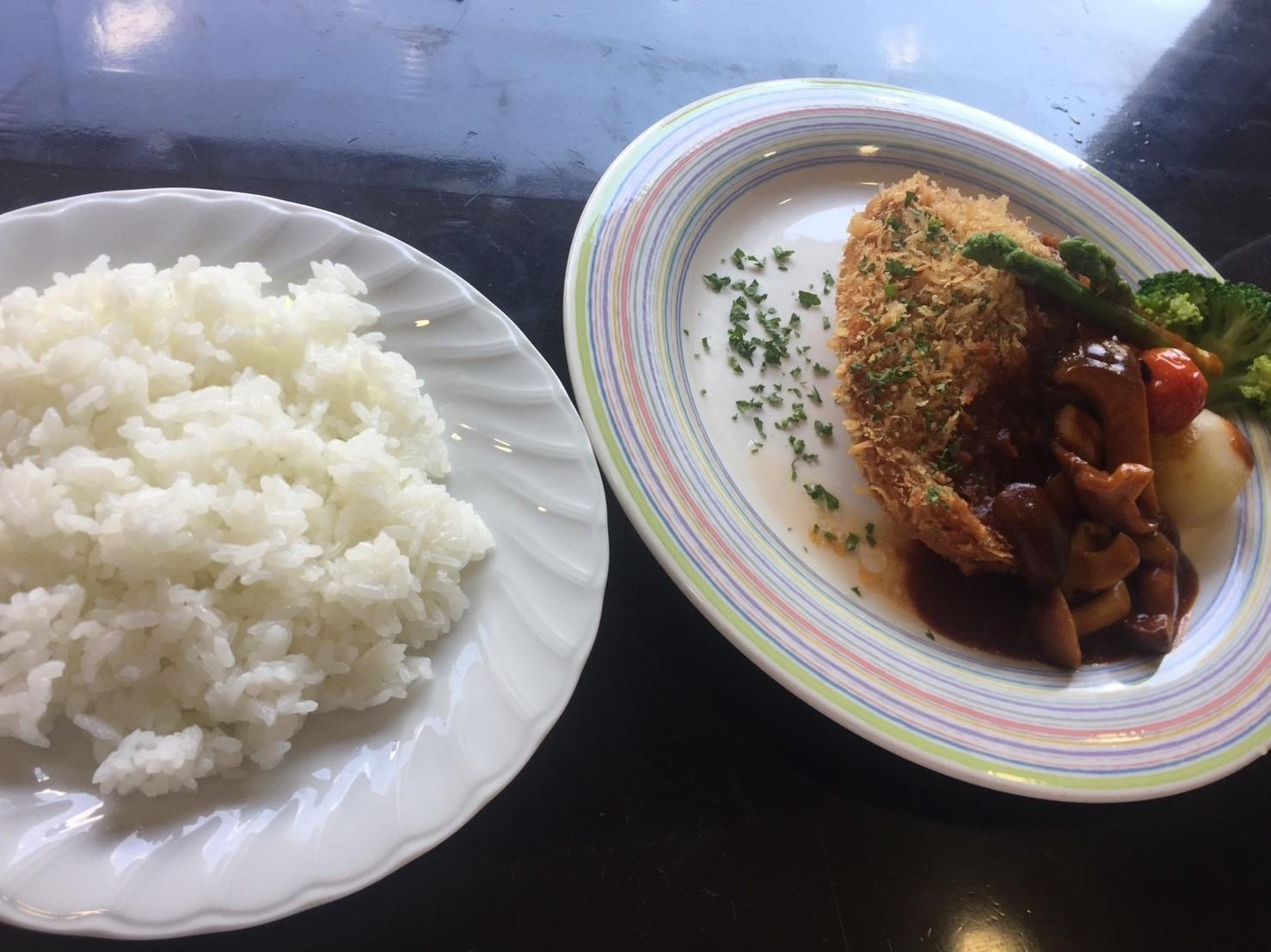 cafe & restaurant  アンドリュース  ポークチーズカツレツ_e0115904_14353348.jpg