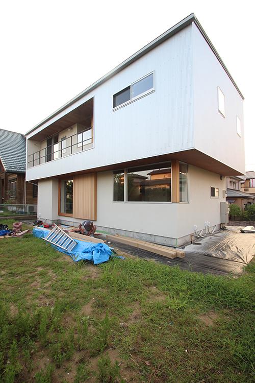 「夏季休業のお知らせ」と「ラワンと紙クロスの家」完成見学会_f0170331_23454443.jpg