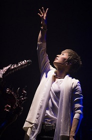 GACKT\'s -45th Birthday 映像を順次公開_c0036138_14280578.jpg