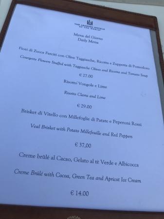ヴィッラ・コーラの素敵なディナー_a0136671_08445476.jpeg