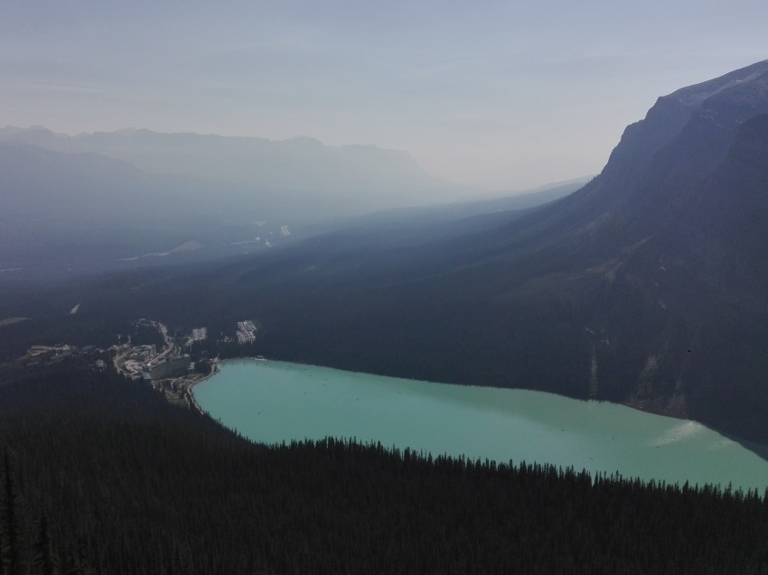 レイクルイーズを上から見れる絶景ハイキング_d0112928_12565151.jpg