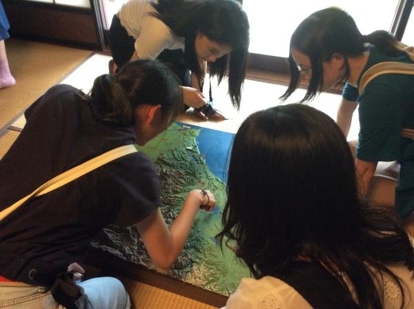 金沢大学生14人が「芭蕉の舘」を訪れました。_f0289632_13191168.jpg