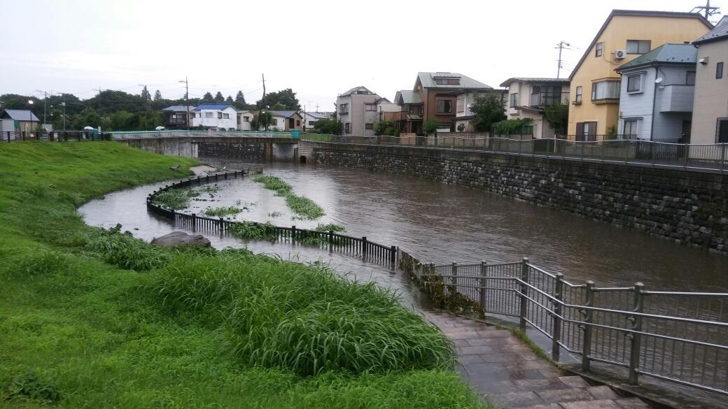 大雨洪水注意報_e0232277_15075336.jpg