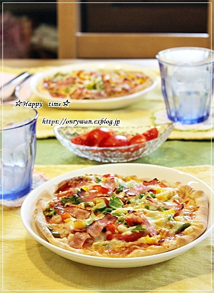 今日のランチはおうちピザと~♪_f0348032_17452902.jpg