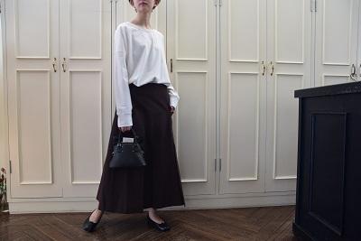 スカートで メリハリ  。_b0110586_14005285.jpg