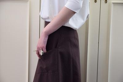 スカートで メリハリ  。_b0110586_14023128.jpg