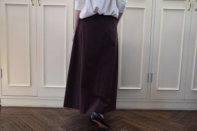 スカートで メリハリ  。_b0110586_14023623.jpg