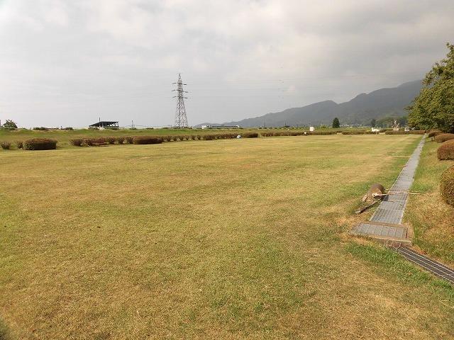 雨が降らず、うだる暑さの中で行われた「第23回 富士市ジュニアゲートボール大会」_f0141310_07335760.jpg