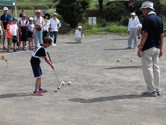 雨が降らず、うだる暑さの中で行われた「第23回 富士市ジュニアゲートボール大会」_f0141310_07343358.jpg