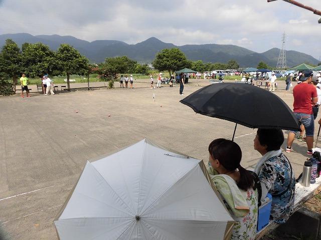 雨が降らず、うだる暑さの中で行われた「第23回 富士市ジュニアゲートボール大会」_f0141310_07343950.jpg