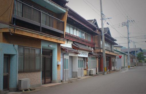 路地裏ときめき☆生石港、色街の名残り「かんたん」・・・_a0329820_01595460.jpg