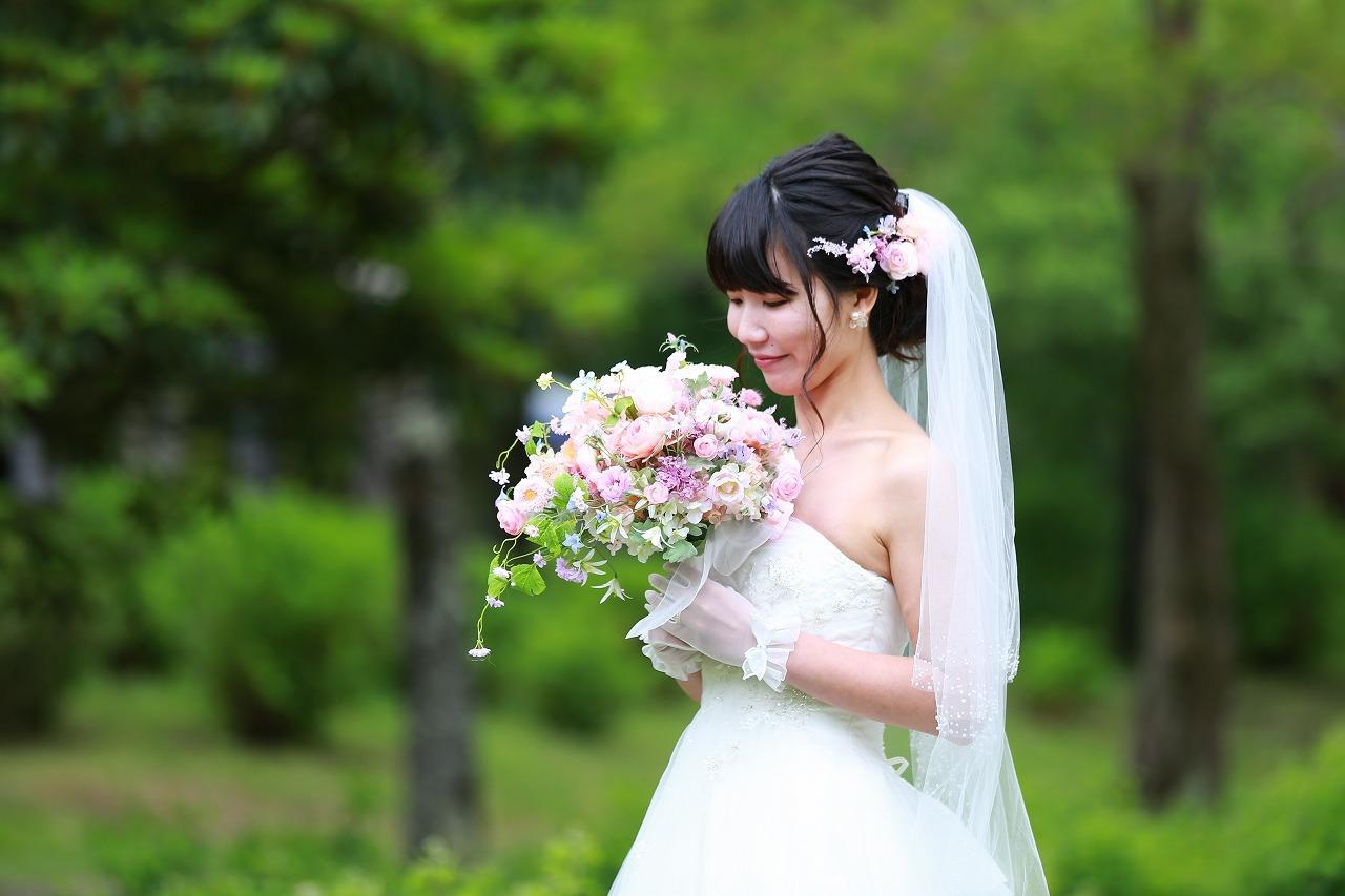卒花嫁様アルバム 昭和記念公園のロケフォトに シャワーブーケ、プリザーブド&アーティフィシャルフラワーで_a0042928_12324646.jpg
