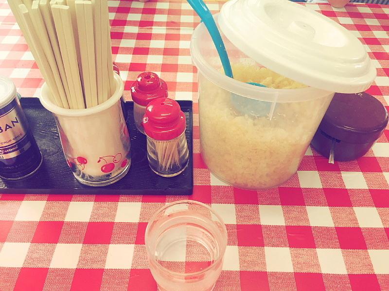 【吉田うどんの行列店】 みうらうどん  ~食べるだけの割り切りも「味」_b0008655_14153887.jpg