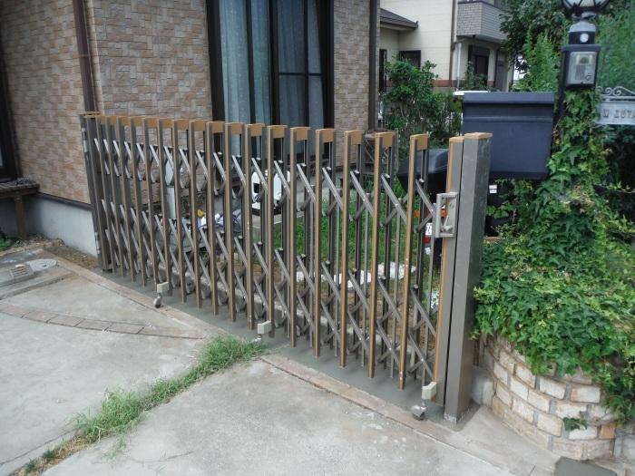 小工事 ~ 駐車場の入口を広げる1。_d0165368_11081203.jpg