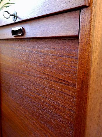 filing cabinet_c0139773_12350690.jpg