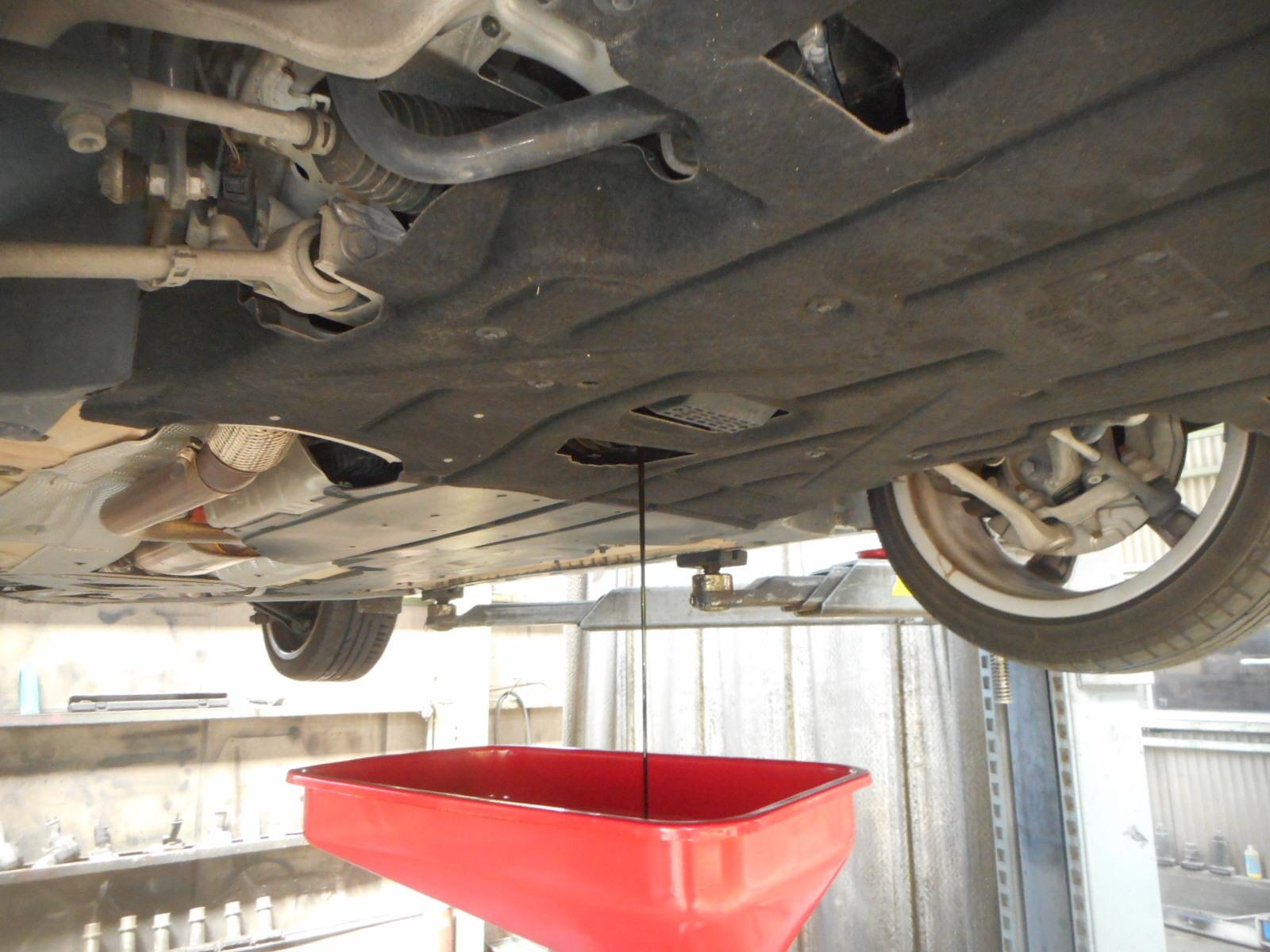 BMW Z4 エンジンオイル交換_c0267693_17220475.jpg