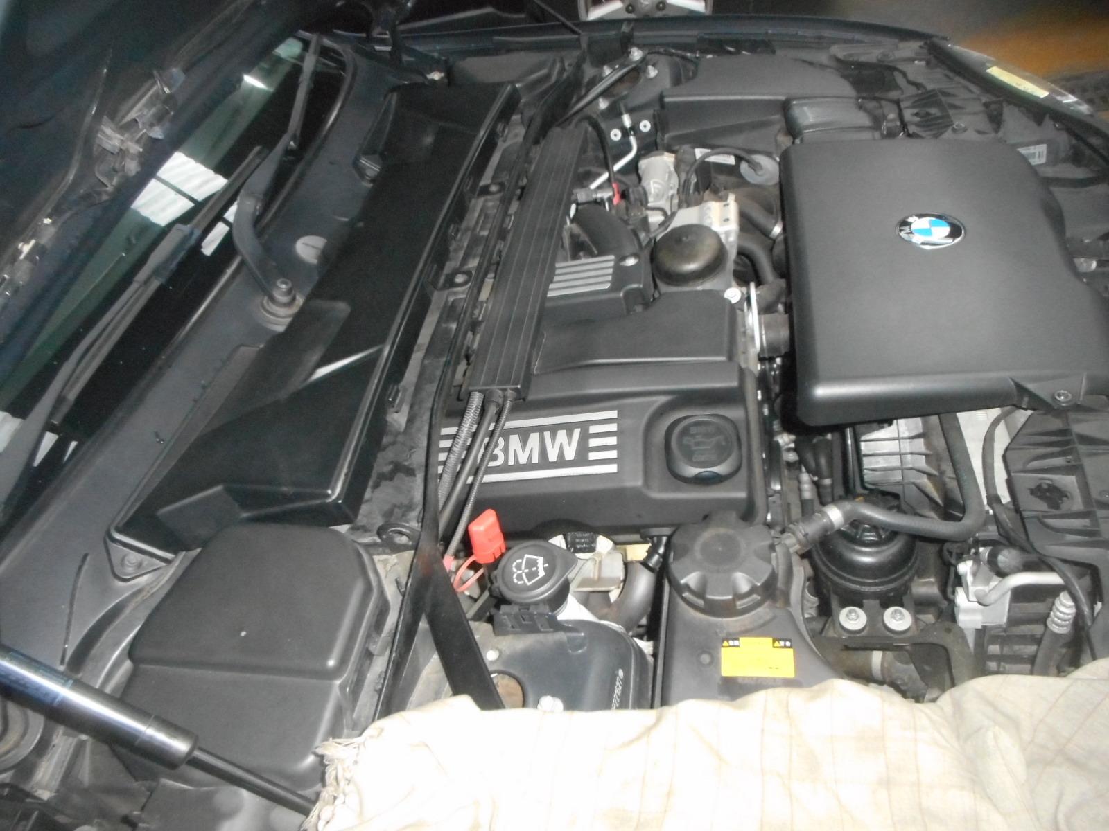 BMW 116i エンジンオイル漏れ修理(タペットカバー、バキュームポンプ)_c0267693_17430063.jpg