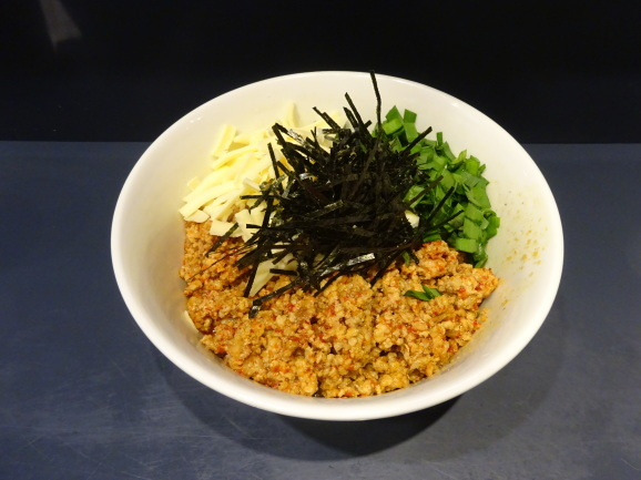 勝浦式担々麺のじもんさん_e0230011_16351764.jpg