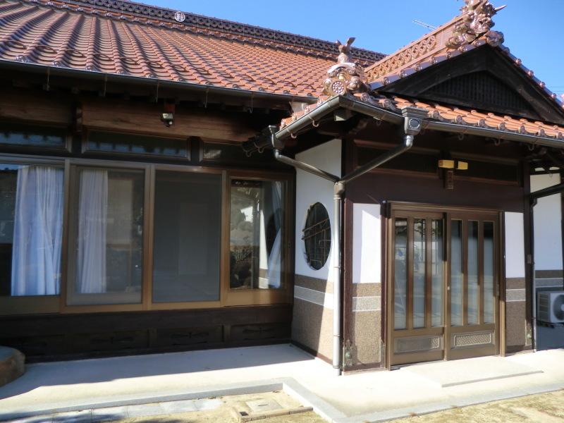 広島の屋根瓦_b0131012_17263781.jpg