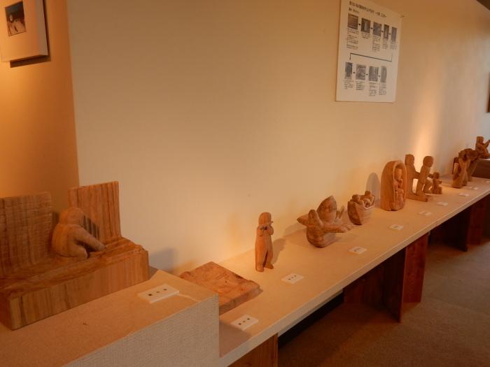 《 手が生み出す 木彫の世界 》  清里の森 彫刻ギャラリーGakou にて_b0221219_11322530.jpg