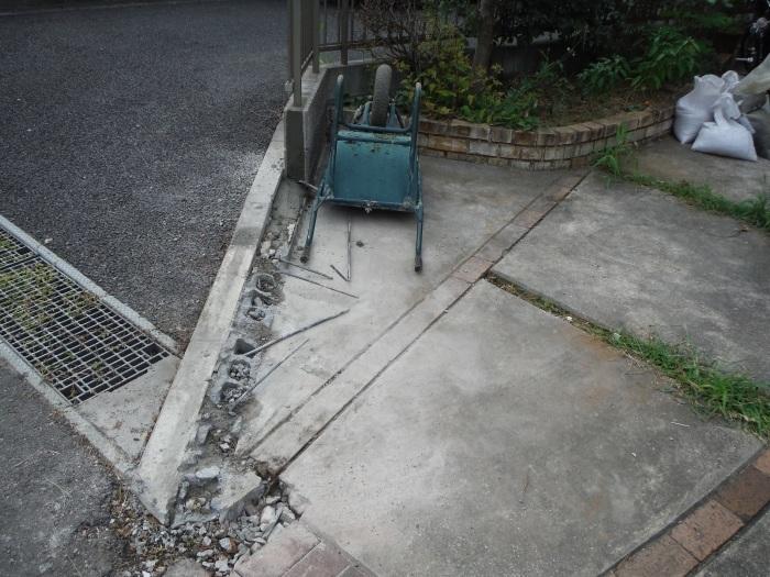 小工事 ~ 駐車場の入口を広げる2。_d0165368_04022011.jpg