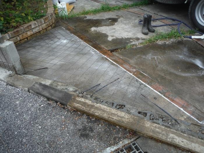 小工事 ~ 駐車場の入口を広げる2。_d0165368_04024995.jpg