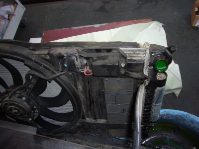 BMWミニ (R50)クーリングファン回らない 修理(レジスター交換)_c0267693_13352473.jpg