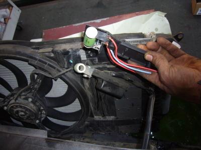 BMWミニ (R50)クーリングファン回らない 修理(レジスター交換)_c0267693_13353537.jpg