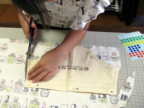 ばぁばのワークショップ 自分のTシャツ作ろう その1_f0129726_21381560.jpg