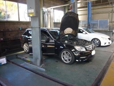 メルセデスベンツ Cクラス(W204) 車検整備 (アッパーホース交換他)_c0267693_14434420.jpg