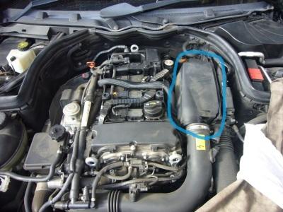 メルセデスベンツ Cクラス(W204) 車検整備 (アッパーホース交換他)_c0267693_14445823.jpg