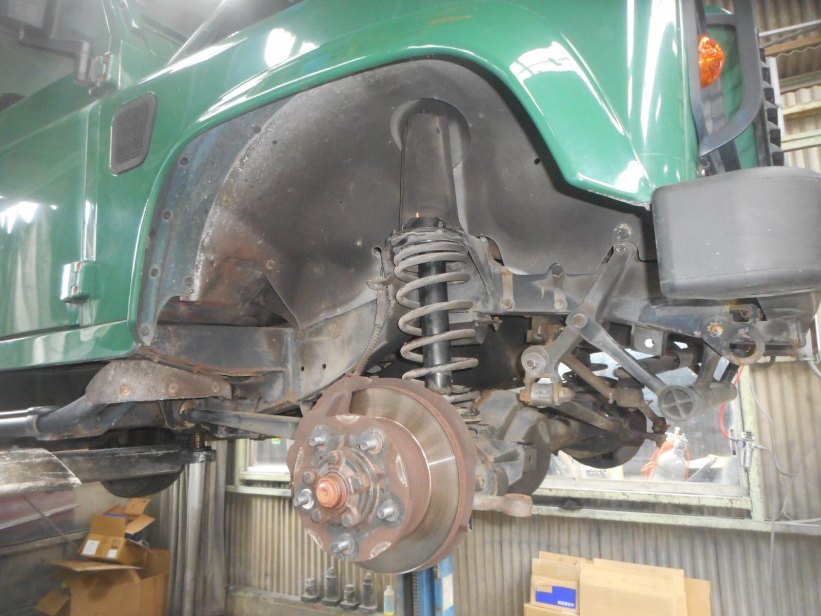 レンジローバー ディフェンダー 車検整備と異音修理(ショックアブソーバーブッシュ交換)_c0267693_15340691.jpg