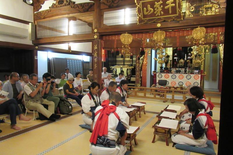 六歳念仏踊り 光福寺_e0048413_18362443.jpg