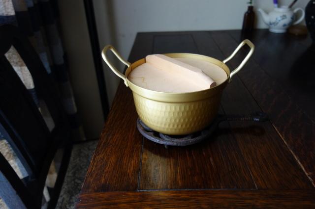 小さくて軽い鍋 - 糸巻きパレットガーデン