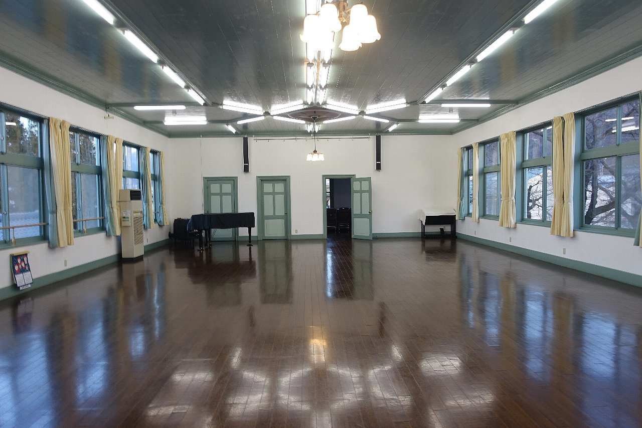 須坂の旧上高井郡役所_c0112559_08202140.jpg