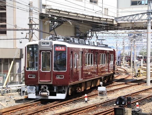 阪急8040系 正雀回送_d0202264_14371879.jpg